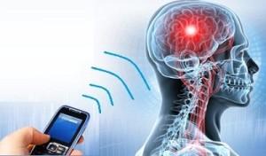 أضرار الهاتف المحمول على العلاقة الحميمة و صحة الإنسان